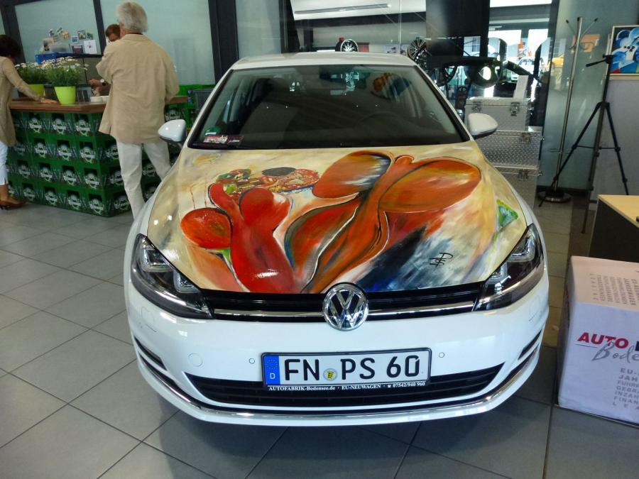 Motorhaube – Der Kuss von Klimt