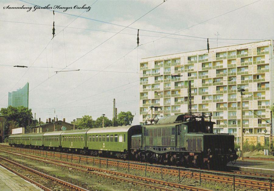 Elektrolokomotive 254 114  mit P 5608 in Leipzig Bayrischer Bahnhof