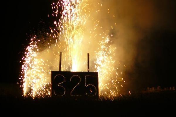 Foto: Feuerwerk zum 325-jährigen Ortsjubiläum Mariendorf