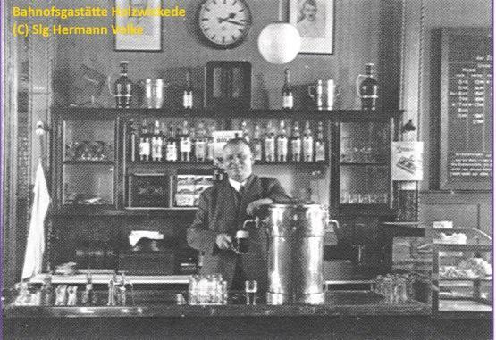 Der legendäre Bahnhofswirt Albert Nolden an seinem Arbeitsplatz.  Weitere Wirte waren Kamm, Josef Jupp Weber, Toni Grundmann, Elisabeth Böhm, Marlies und Werner Ebel und Resi und Jürgen Fromm