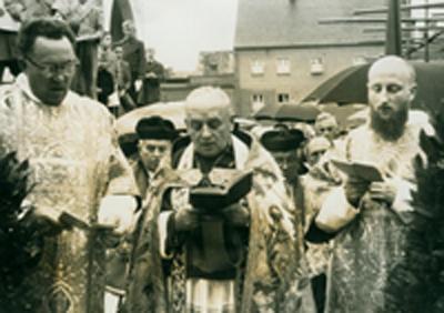 Links Pfarrer Schaffer - rechts Pater Kasper