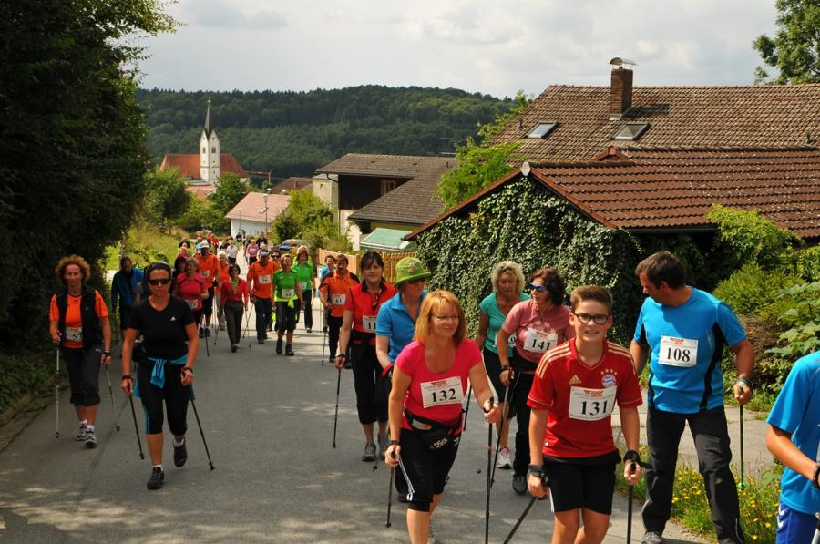 Der Nordic-Walking Marathon in Grattersdorf