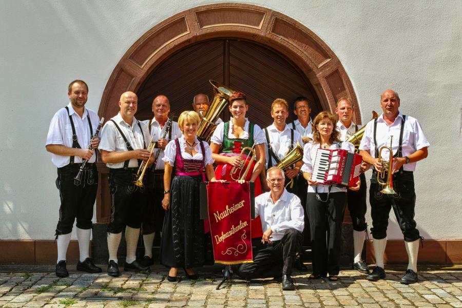 Live im Hof: Nauheimer Dorfmusikanten