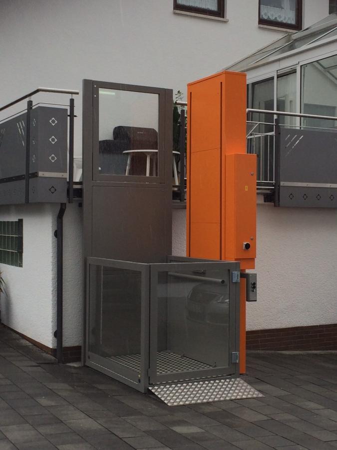 aufzug lus gmbh i homelifte i elektromobile i treppenlifte. Black Bedroom Furniture Sets. Home Design Ideas