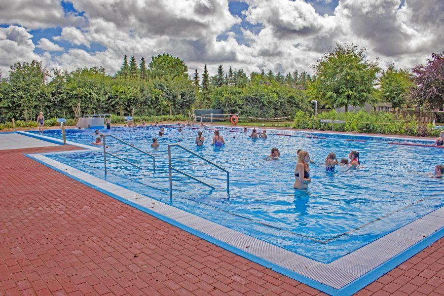 Schwimmbad 2018 01