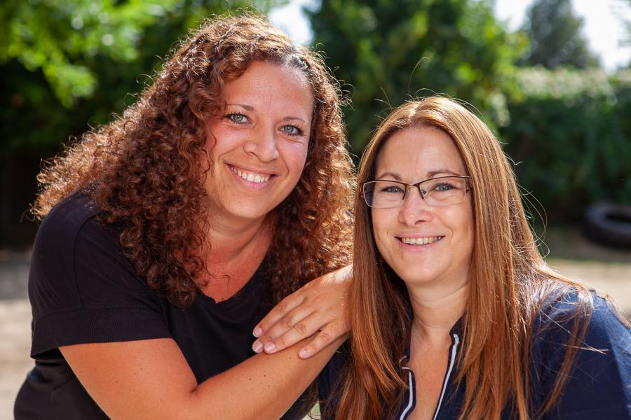 v.l.: Natalia Stelle und Andrea Barthel (Gruppenleitung)