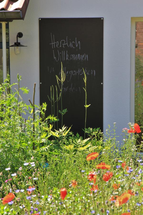Allegorischer Garten im Sommer