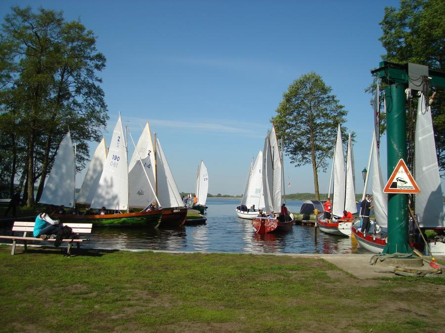 """© picture: K. Schulze – Yacht race on the lake """"Rangsdorfer See"""""""
