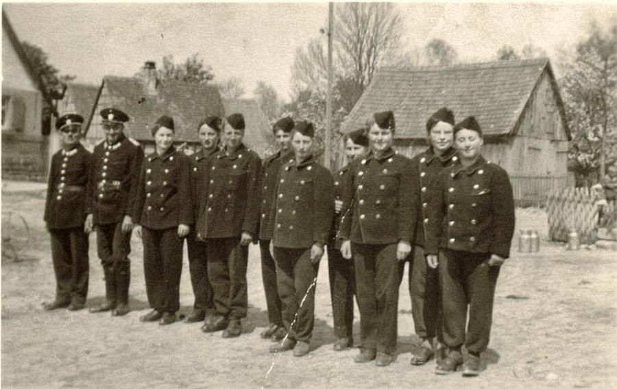 1. Frauengruppen 1944