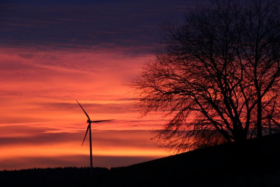 Lukas Buehn Sonnenuntergang Blick vom Gruenen Loh Richtung Ersrode