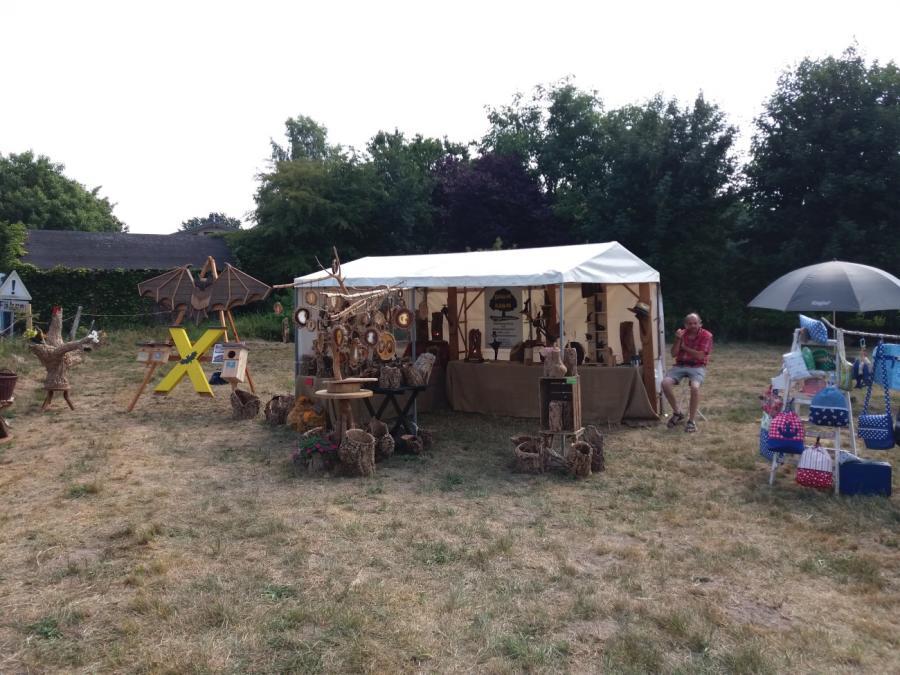 Siebeneichen-Kunst-und Kulturwochen-Kunsthandwerkermarkt