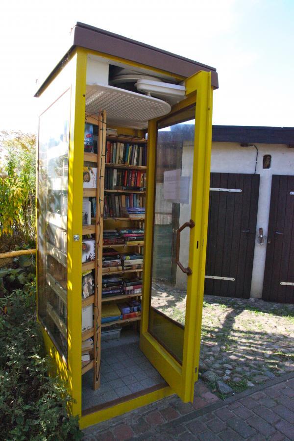 Büchertausch - Telefonzelle