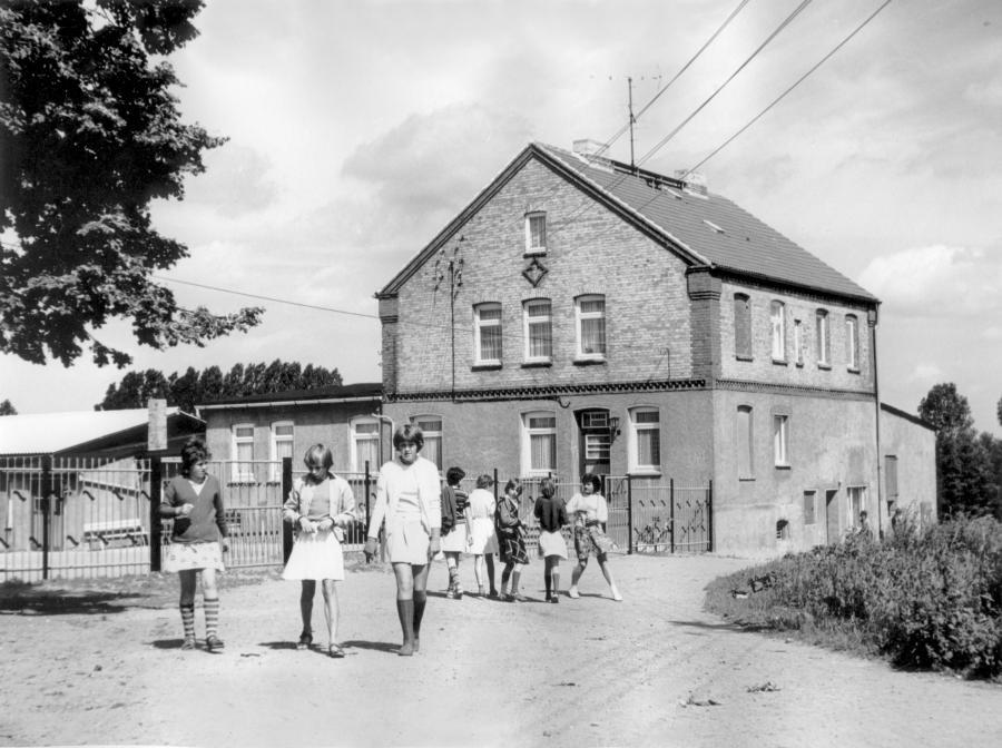 Schulhort (Juni 1979)