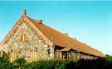 Das lange Haus in Hallalit