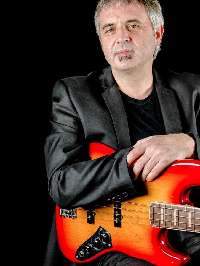 Stefan Engelmann - E-Bass/Kontrabass