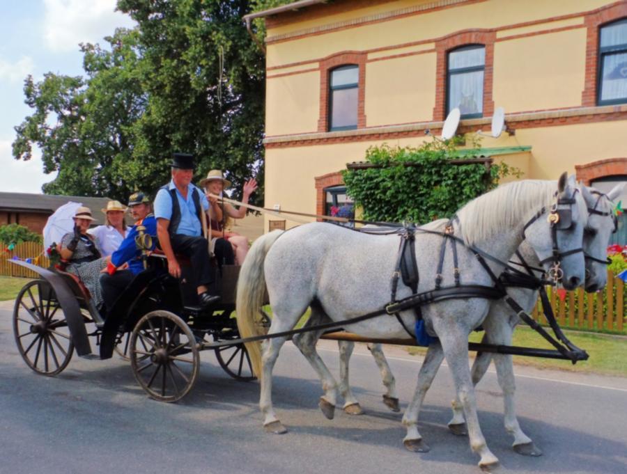 Umzug 700-Jahrfeier der Dörfer Gorschendorf, Gülitz und Salem, 26.7.2014 (2)