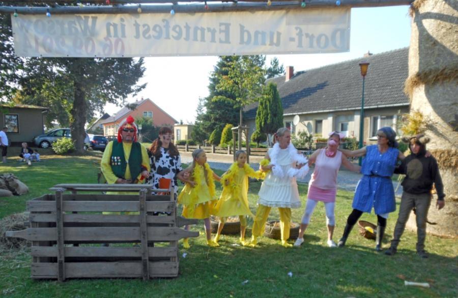 Märchenspiel zum Dorf- und Erntefest in Warsow am 6. September 2014
