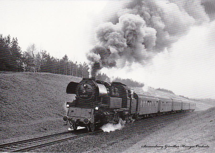 Personenzugdampflokomotive 65 1057 mit DMV-Sonderzug bei Knappenrode