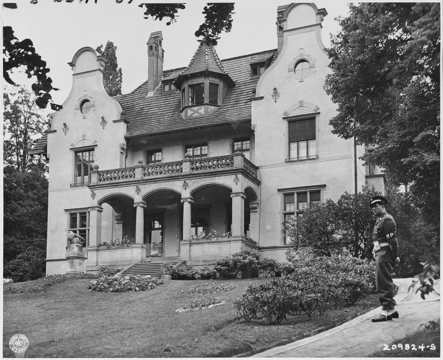 Truemann Villa, 1945, Foto: U.S. National Archives
