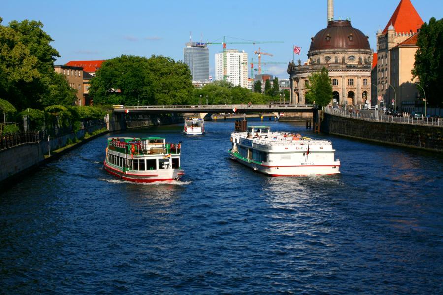 15-3-13 Spree_Berlin_Ships