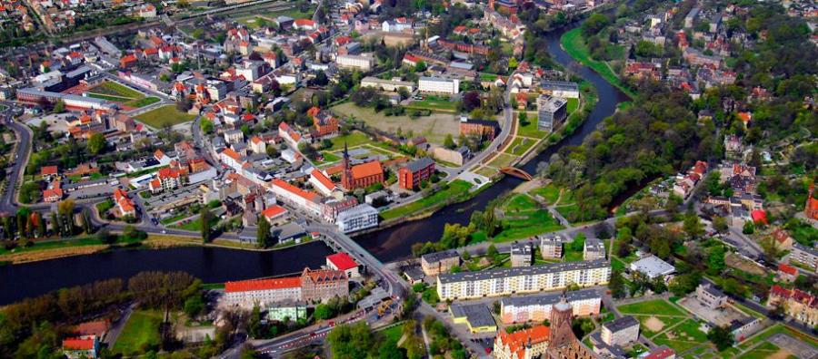 Die Stadt Guben aus der Luft gesehen
