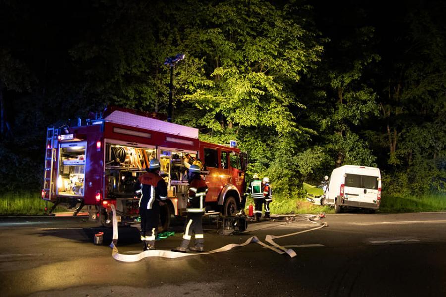 Verkehrsunfall mit eingeklemmter Person, B85 Höhe Dinos 15.05.2019