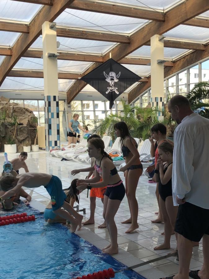 Schwimmbad 2