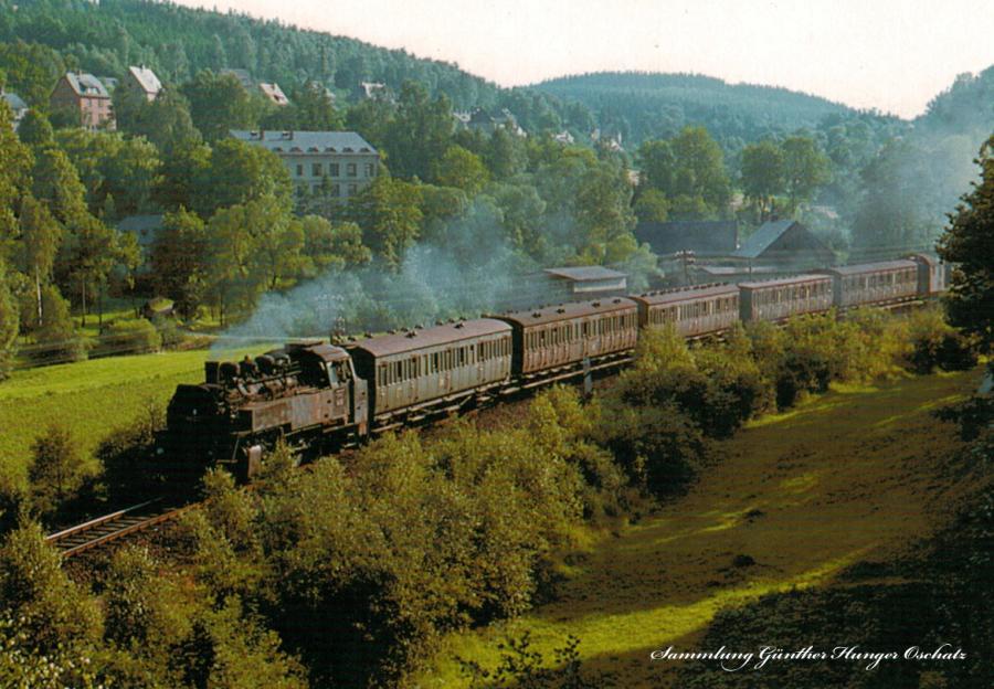 Güterzugtenderlokomotive 86 050 mit Personenzug im Zwönitztal bei Kemtau