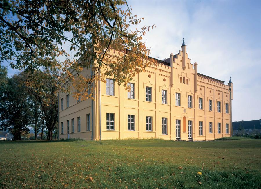 Schloss Nennhausen, Foto: www.proholzfenster.de