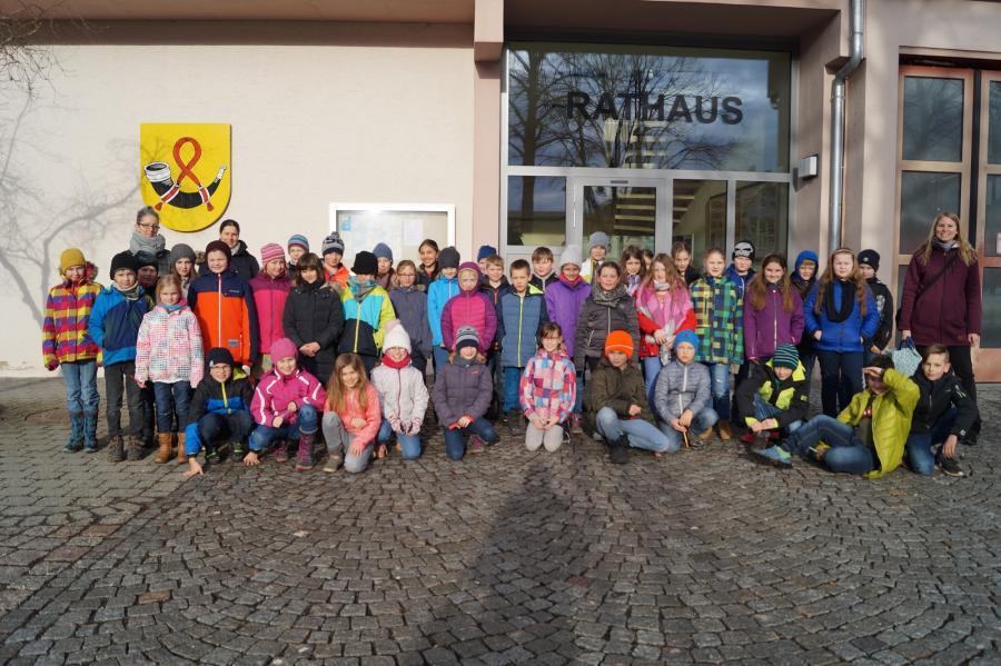 Gruppenbild Rathausbesuch
