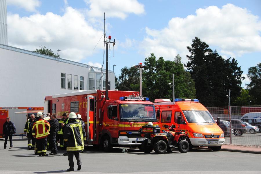 Technische Einsatzleitung und ABC-Dienst im Einsatz (Foto: Bunk/KFV Pinneberg)