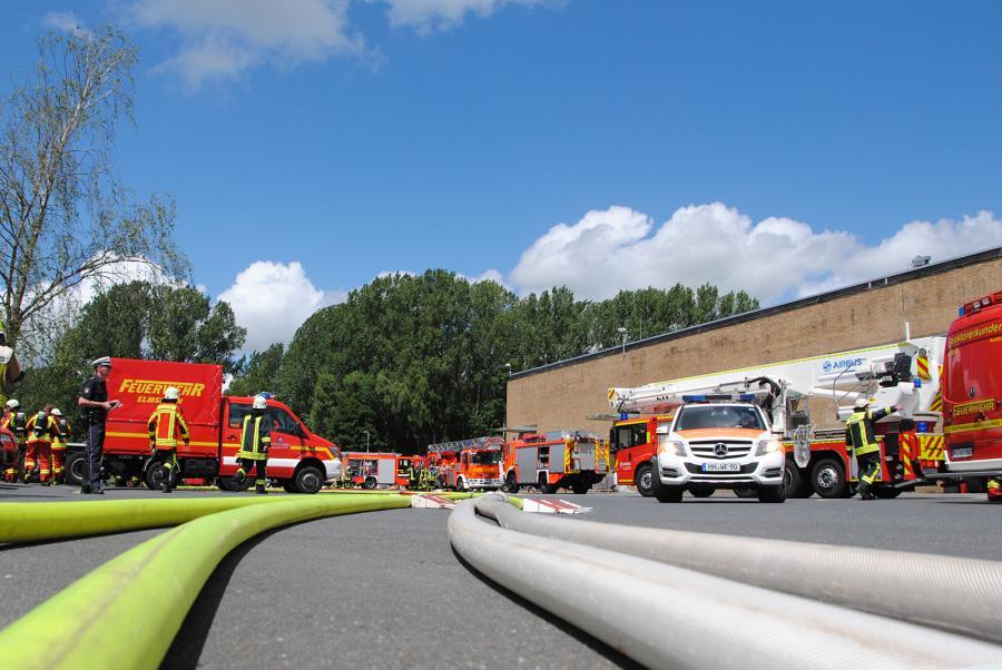 Ein Großaufgebot an Einsatzkräften wurde mobilisiert (Foto: Bunk/KFV Pinneberg)