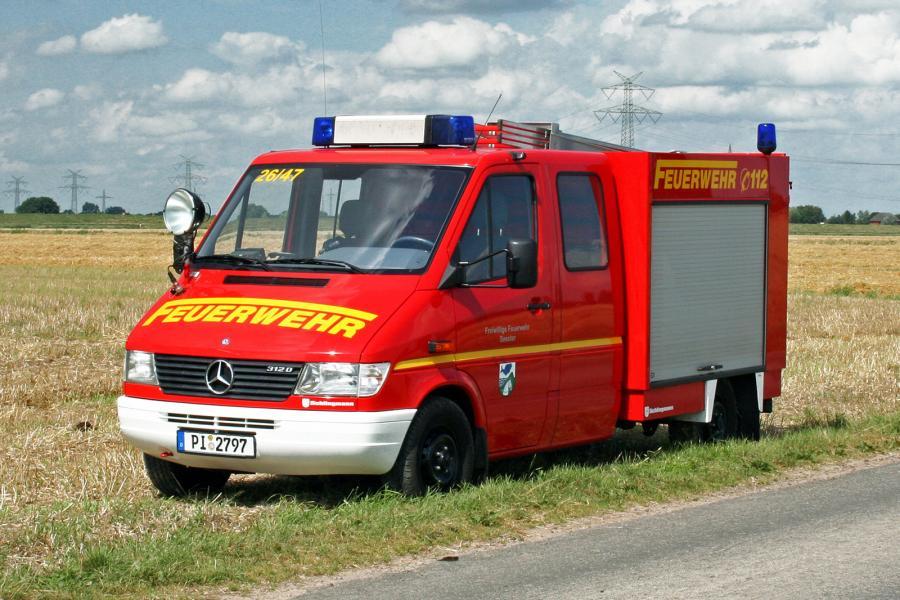 Tragkraftspritzenfahrzeug TSF (Foto: www.bos-pinneberg.de)