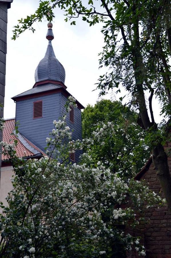 Kilianskirche im Hintergrund