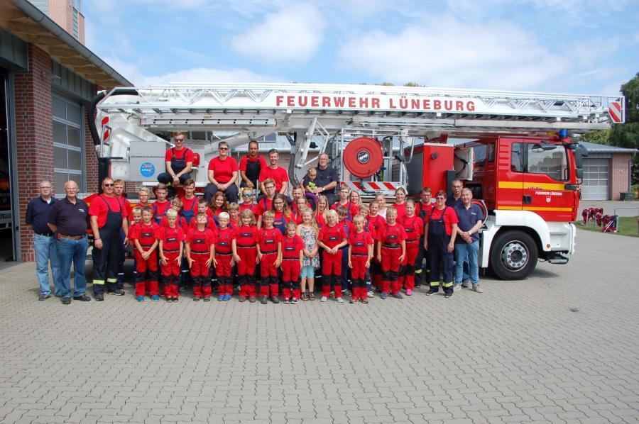 die Jugendabteilung zu Besuch bei unserer Partnerfeuerwehr in Lüneburg