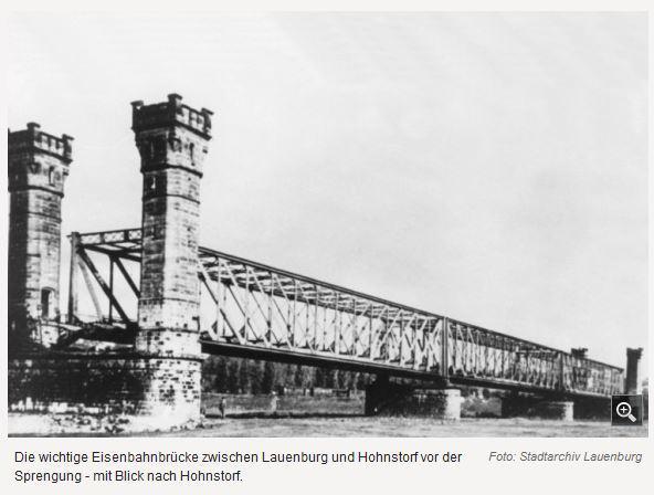 1945 Elbbrücke Lauenburg