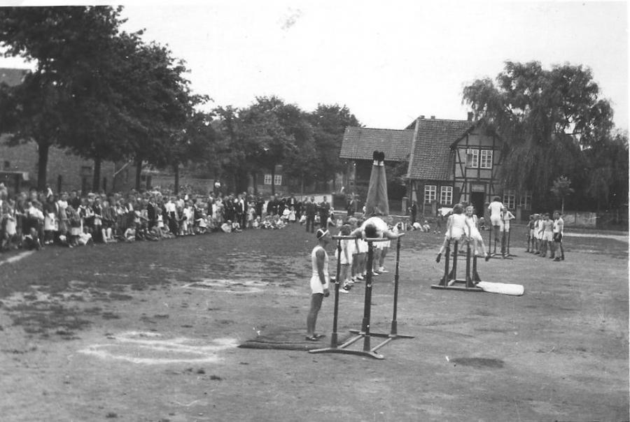 Turnfest auf dem Marktplatz (1947)