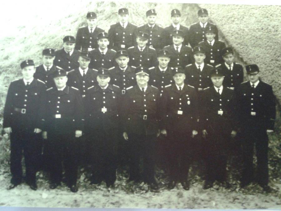 1962 Gruppenbild zum 25-jährigen Dienstjubiläum Kiehn