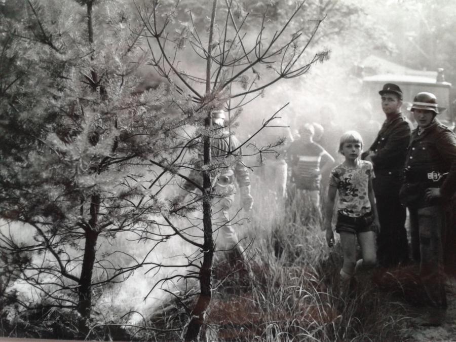 1977 Waldbrand Wasserversorgung mit Güllewagen 2