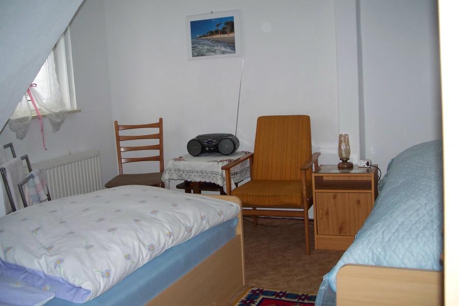 1-2 Bett Zimmer