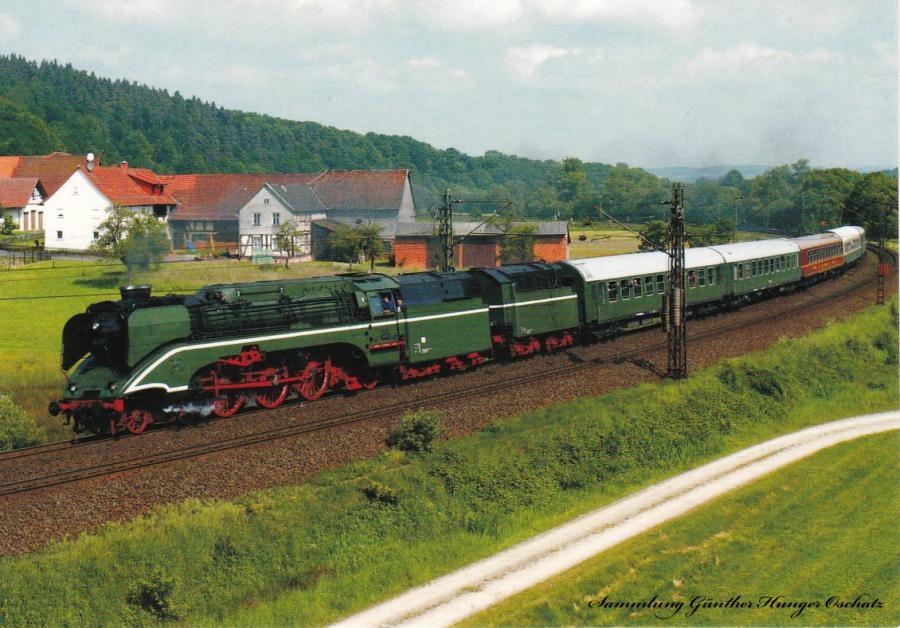 18 201 (Dampf-Plus) mit DPE-Sonderzug bei Hermannspiegel (Strecke Fulda – Hühnfeld – Hersfeld – Bebra)