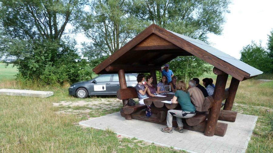Frau Sieper-Ebsen, Naturschutzfonds, erläutert aktuellen Stand des Projekts