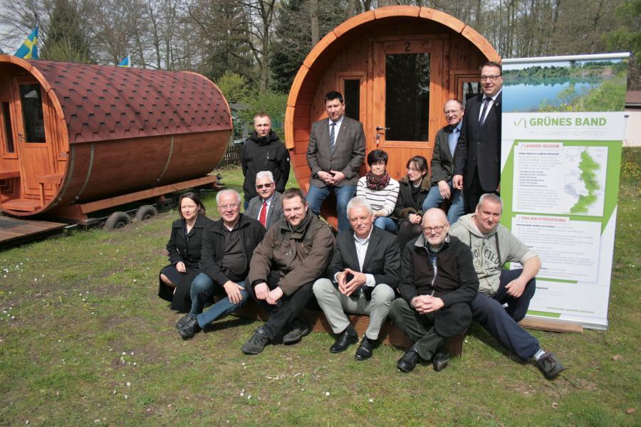 Großer Bahnhof für unsere neuen Wohnfässer auf dem Campingplatz Loosteich in Mariental