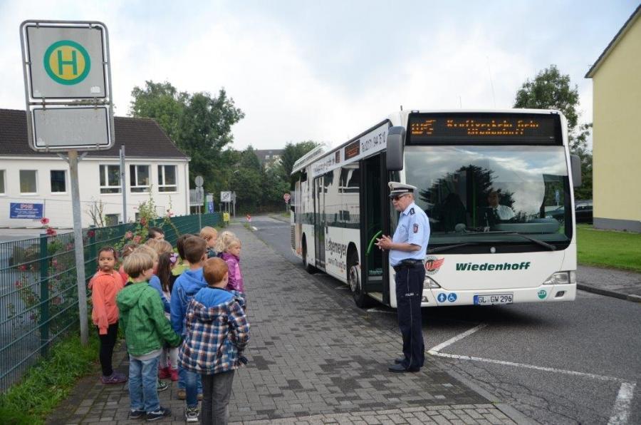 1b bus 2