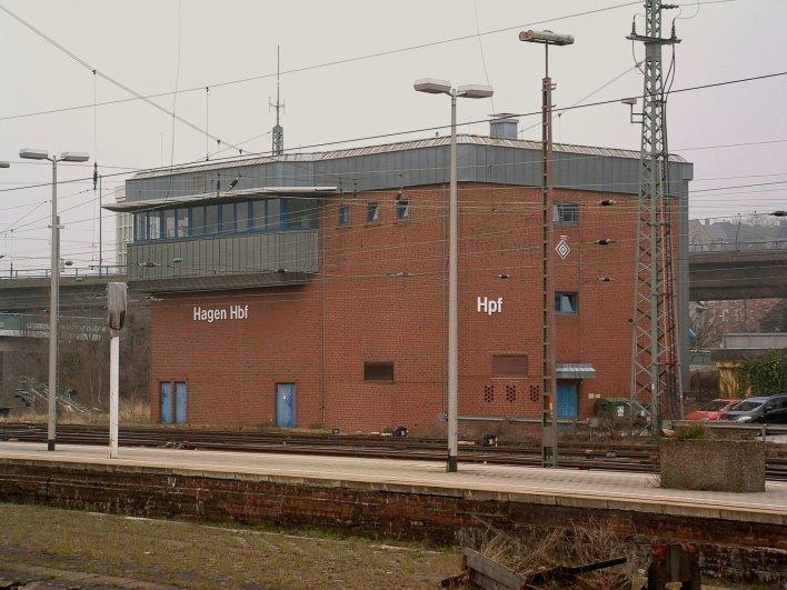 Stellwerk Hpf in Hagen, von hier aus werden die Signale und Weichen fern gesteuert