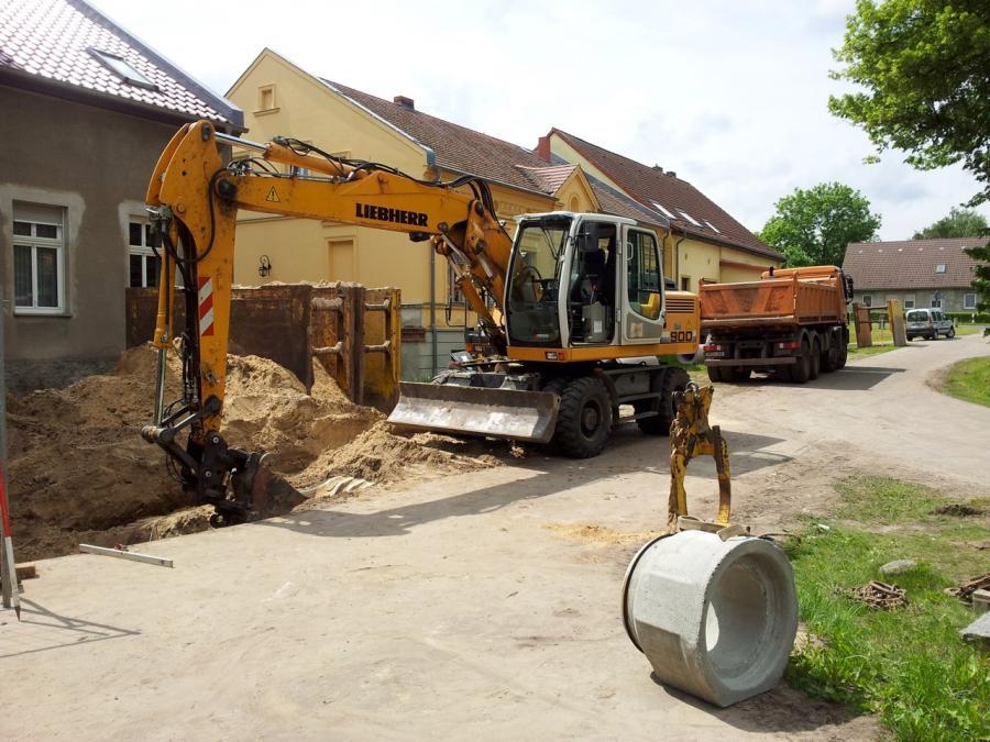 Tiefbauarbeiten in der Dorfstraße