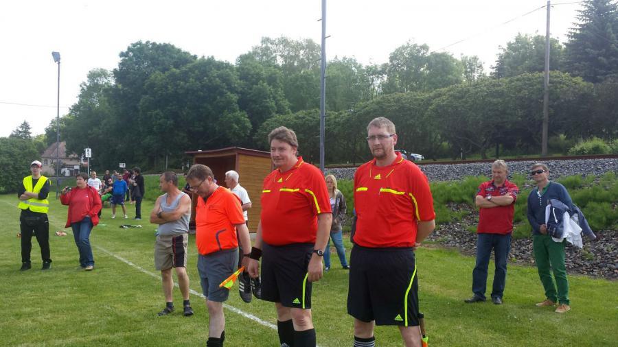 Das Schiedsrichterteam des Endspiels