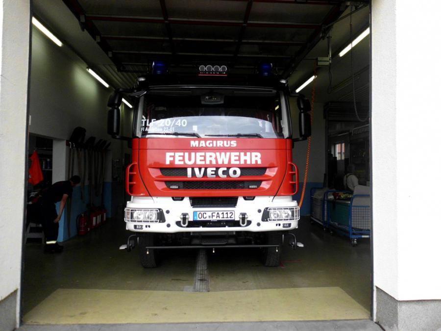 Tanklöschfahrzeug 20/40 von vorne mit Bodensprühdüsen