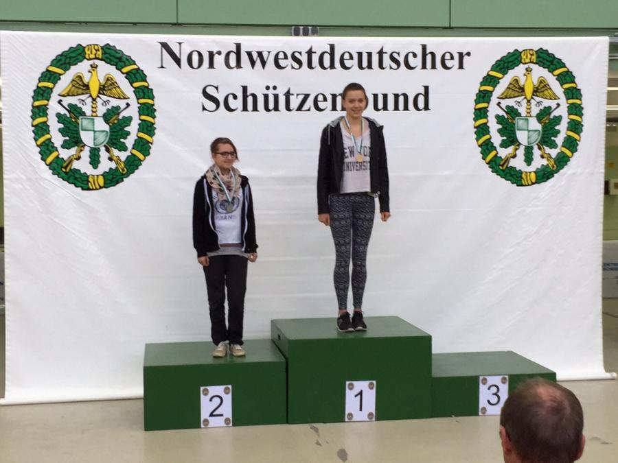 2015-Denise Bohn Landesmeisterin LG 40 Schuss