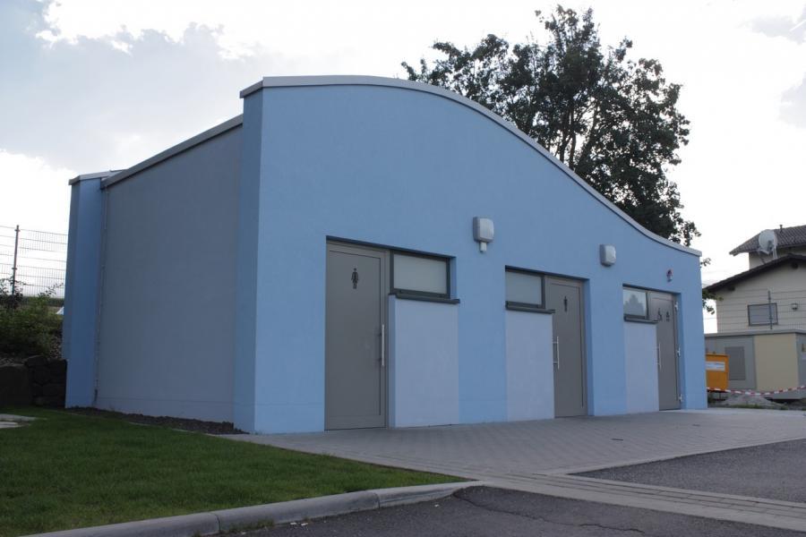 Fassade Toilettengebäude